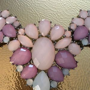 Jewelry - Beautiful pink and white necklace